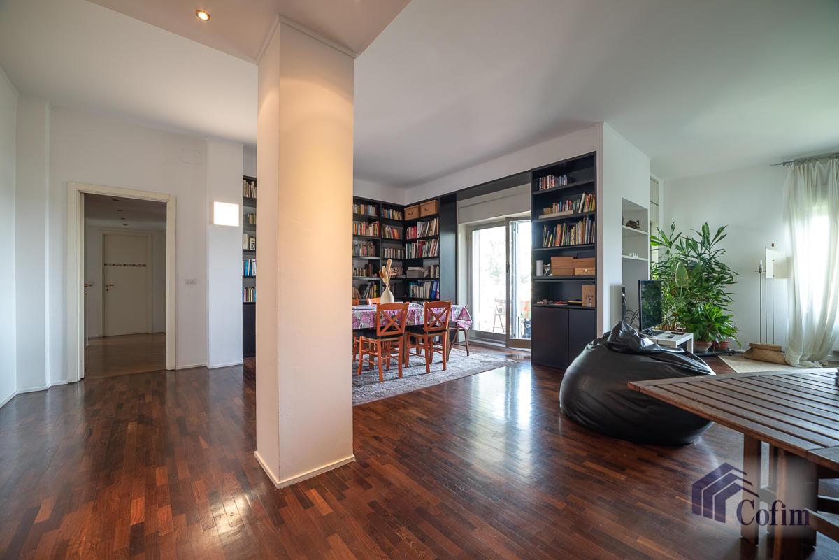 5 Locali ampio, piano alto, posto in Settima Strada  San Felice (Segrate) - in Affitto - 1