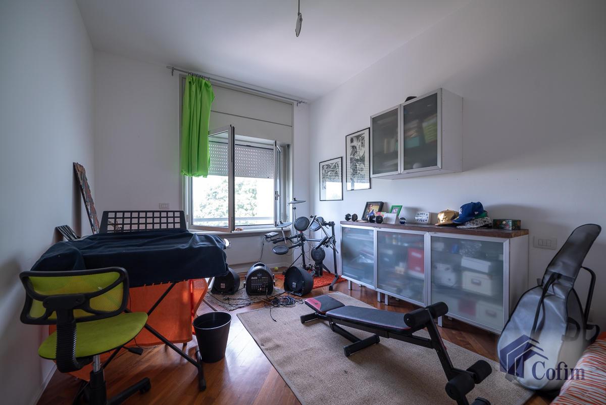 5 Locali ampio, piano alto, posto in Settima Strada  San Felice (Segrate) - in Affitto - 11