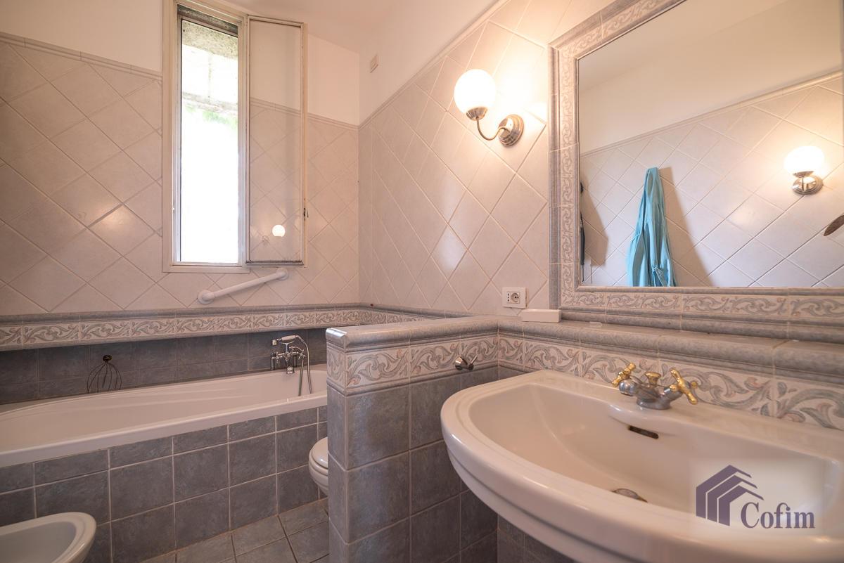 5 Locali ampio, piano alto, posto in Settima Strada  San Felice (Segrate) - in Affitto - 12