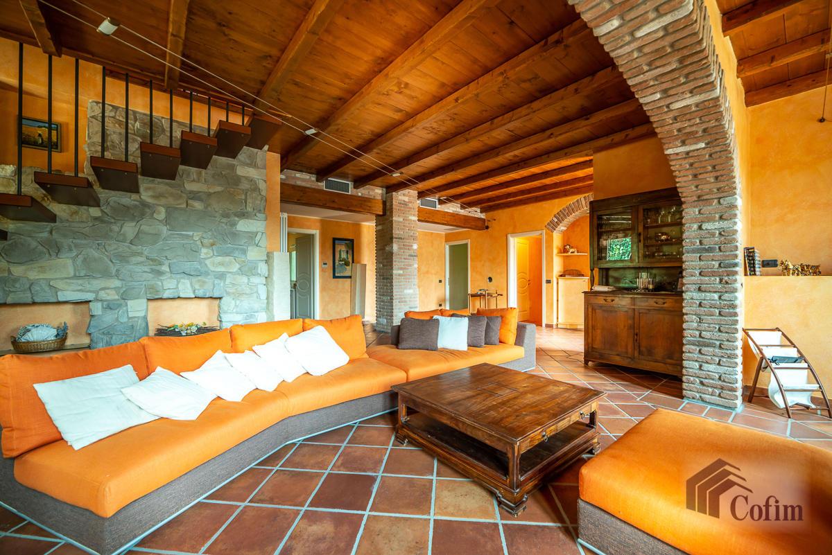 Villa singola con piscina e 10.000 mq di parco vista lago  Vescogna (Calco) - in Vendita - 17
