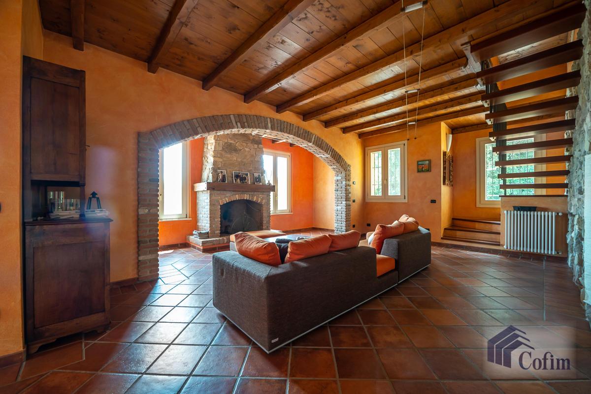 Villa singola con piscina e 10.000 mq di parco vista lago  Vescogna (Calco) - in Vendita - 19