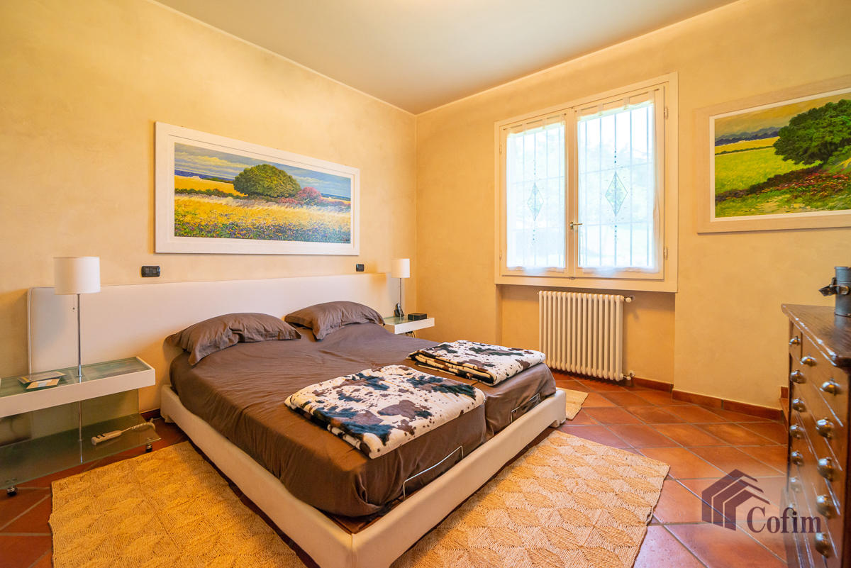 Villa singola con piscina e 10.000 mq di parco vista lago  Vescogna (Calco) - in Vendita - 25