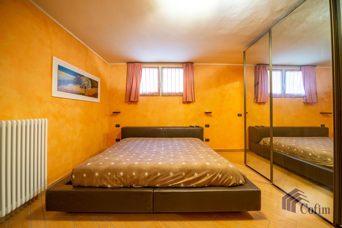 Villa singola con piscina e 10.000 mq di parco vista lago  Vescogna (Calco) - in Vendita - 27