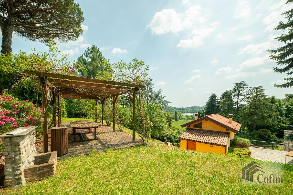 Villa singola con piscina e 10.000 mq di parco vista lago  Vescogna (Calco) - in Vendita - 14