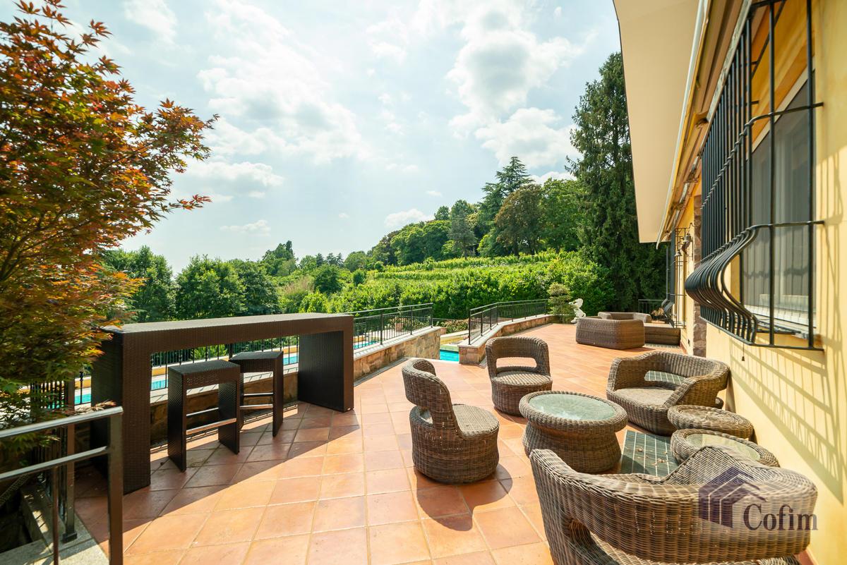 Villa singola con piscina e 10.000 mq di parco vista lago  Vescogna (Calco) - in Vendita - 2