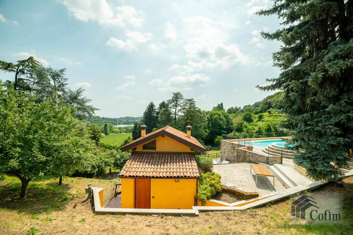 Villa singola con piscina e 10.000 mq di parco vista lago  Vescogna (Calco) - in Vendita - 13