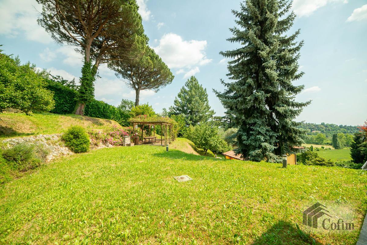 Villa singola con piscina e 10.000 mq di parco vista lago  Vescogna (Calco) - in Vendita - 15