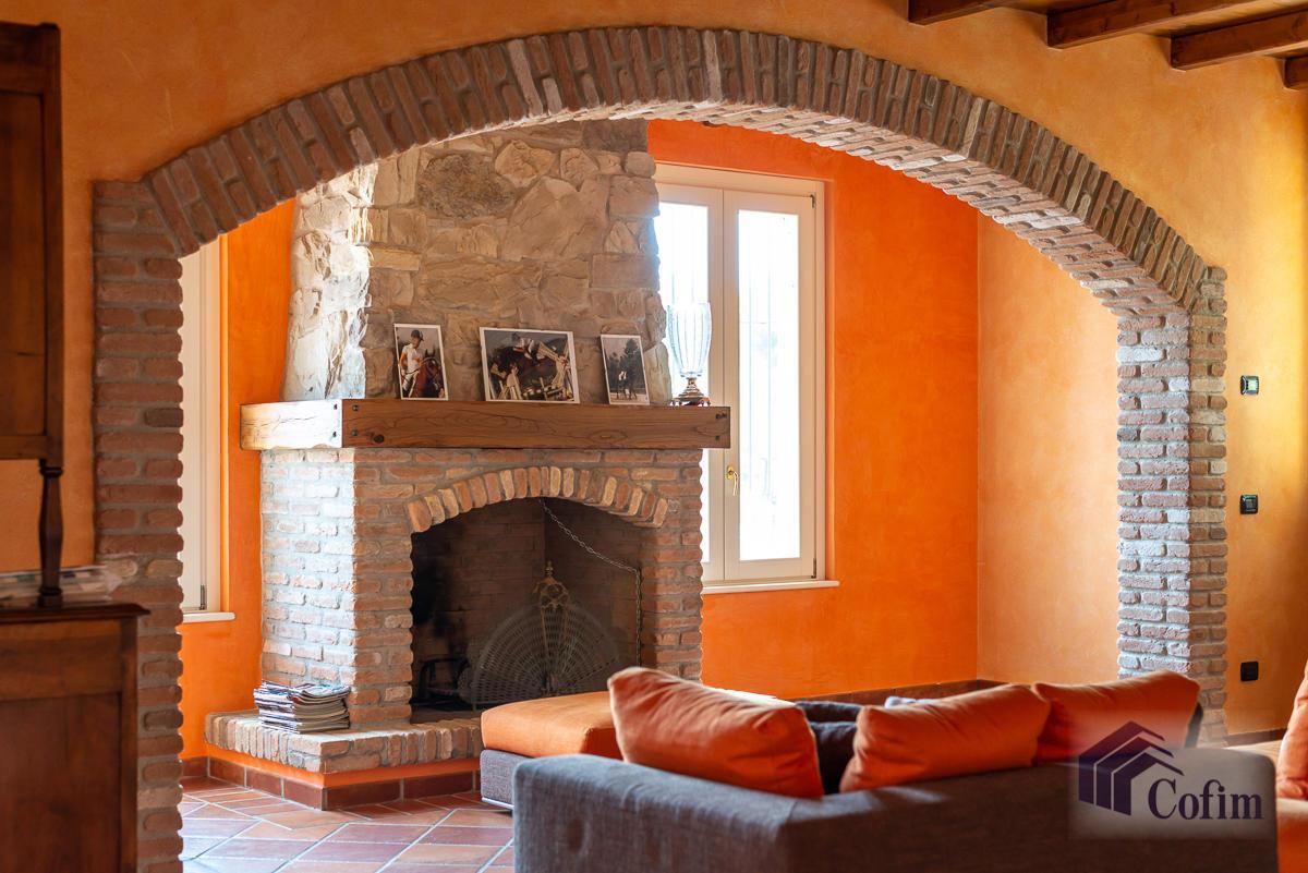 Villa singola con piscina e 10.000 mq di parco vista lago  Vescogna (Calco) - in Vendita - 20