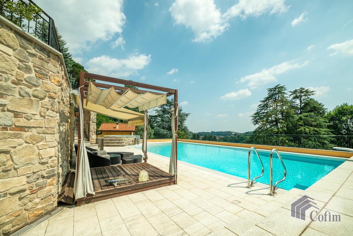 Villa singola con piscina e 10.000 mq di parco vista lago  Vescogna (Calco) - in Vendita - 5