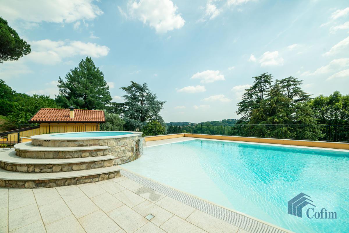 Villa singola con piscina e 10.000 mq di parco vista lago  Vescogna (Calco) - in Vendita - 11