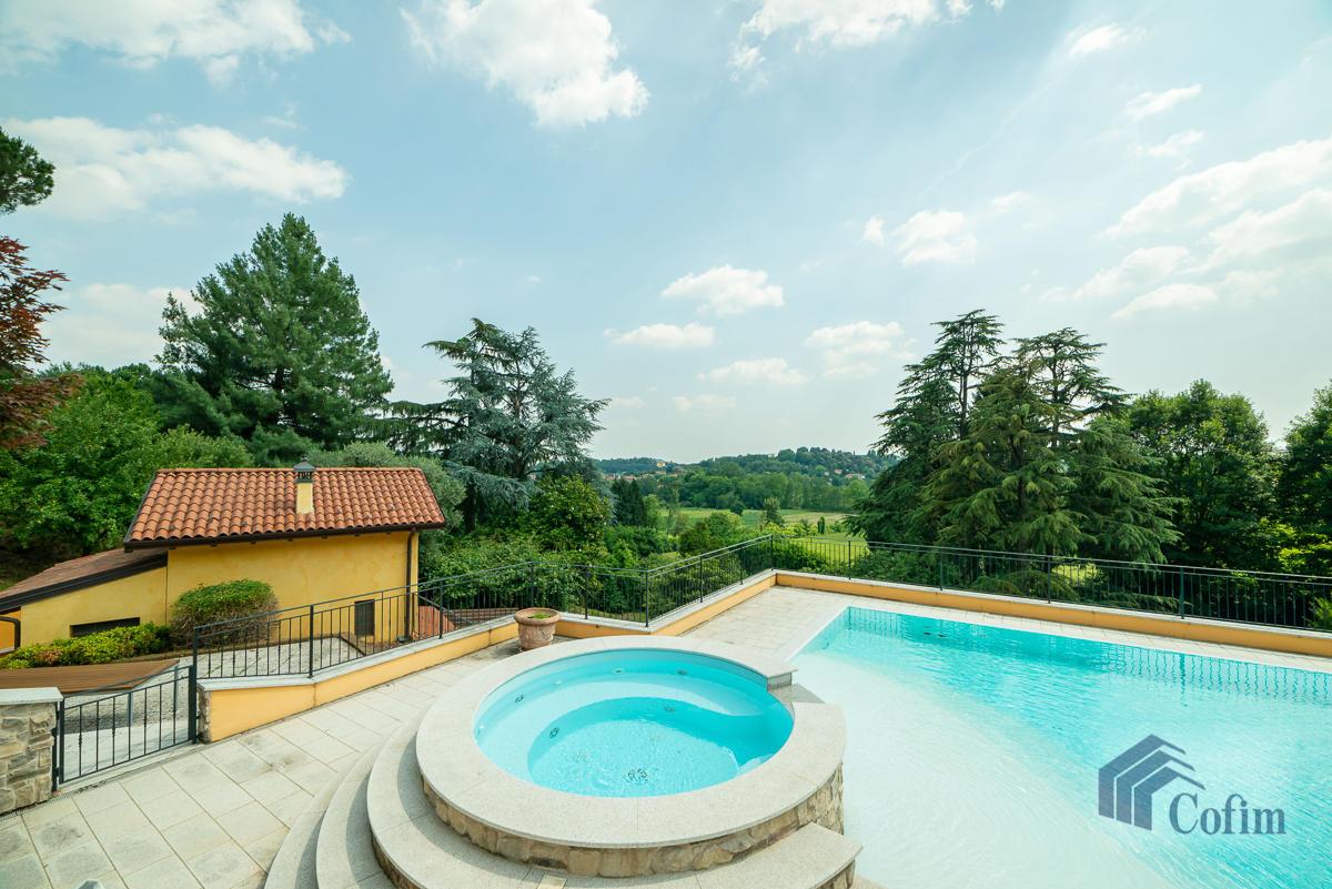 Villa singola con piscina e 10.000 mq di parco vista lago  Vescogna (Calco) - in Vendita - 6