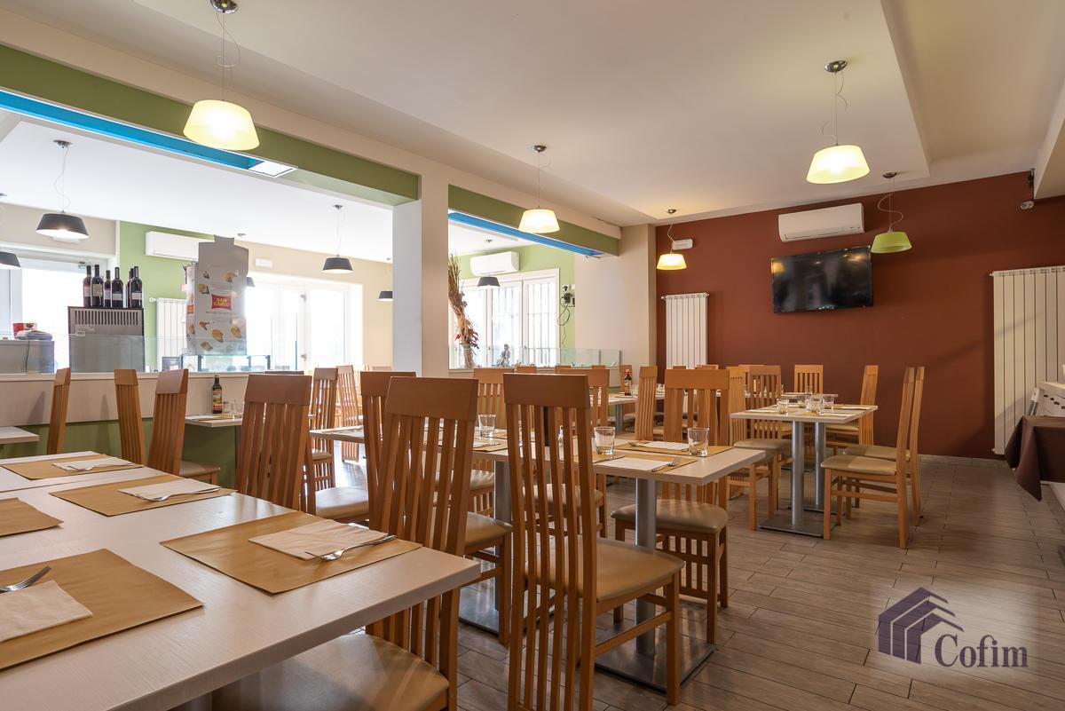 Licenza ristorante-bar moderno in  Mezzate (Peschiera Borromeo) - in Vendita - 5