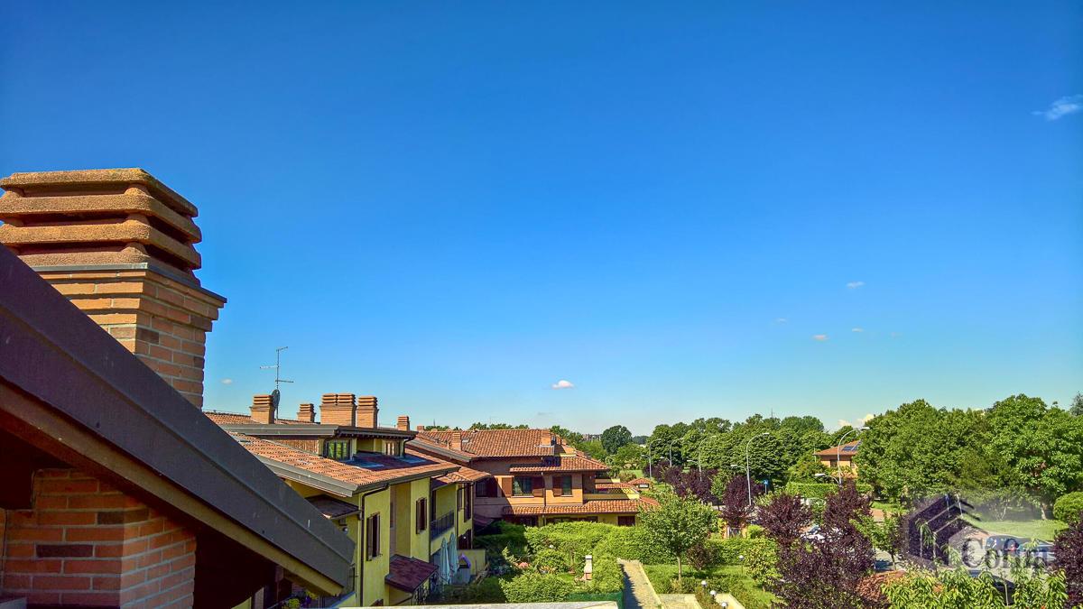5 Locali luminoso su due piani  Millepini (Rodano) - in Affitto - 19