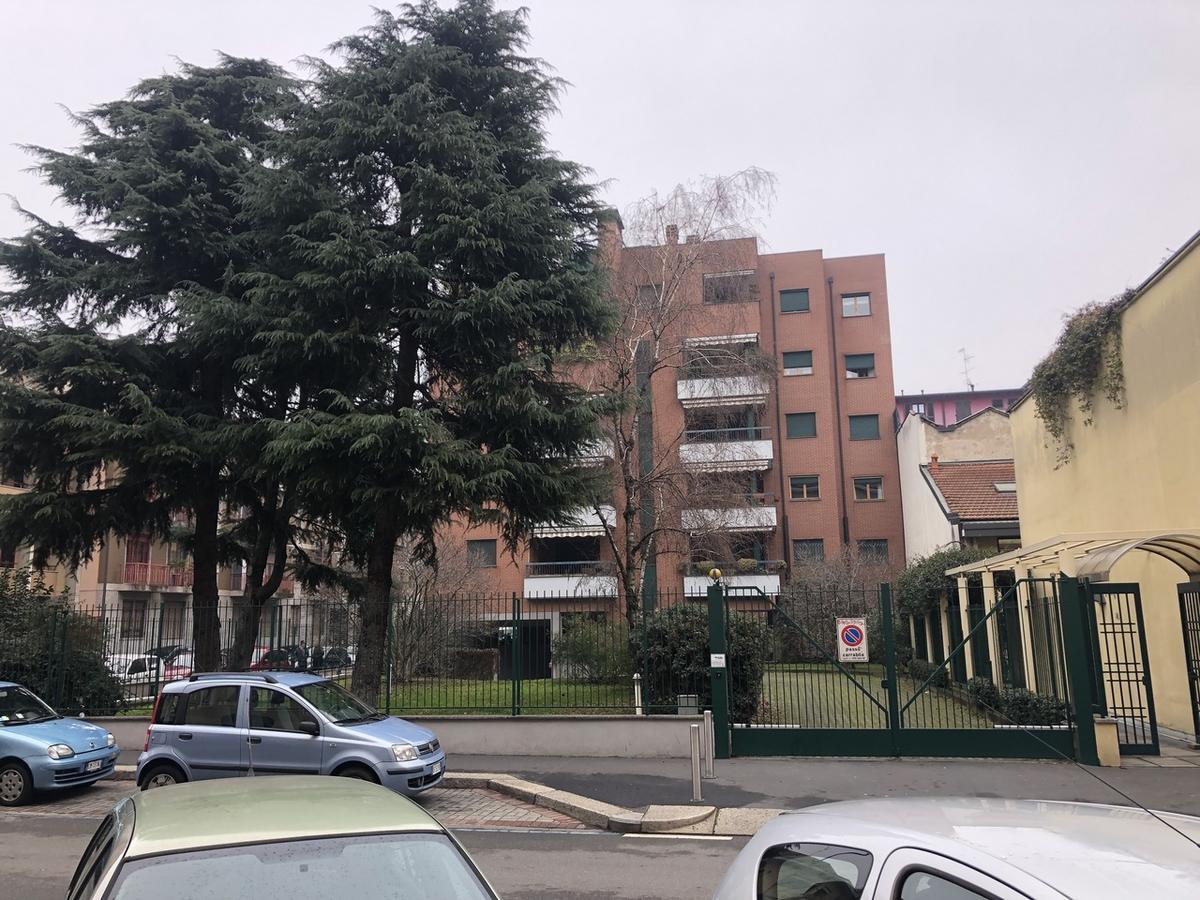 Box/Garage Milano (Garibaldi) - in Vendita