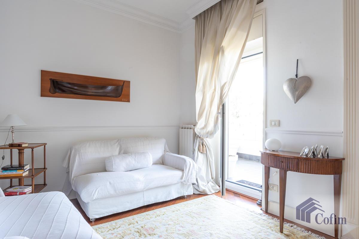 6 Locali prestigioso su due livelli  San Felice (Segrate) - in Vendita - 6