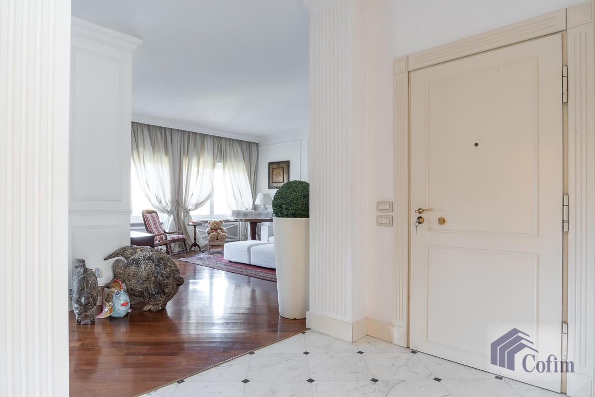 6 Locali prestigioso su due livelli  San Felice (Segrate) - in Vendita - 8