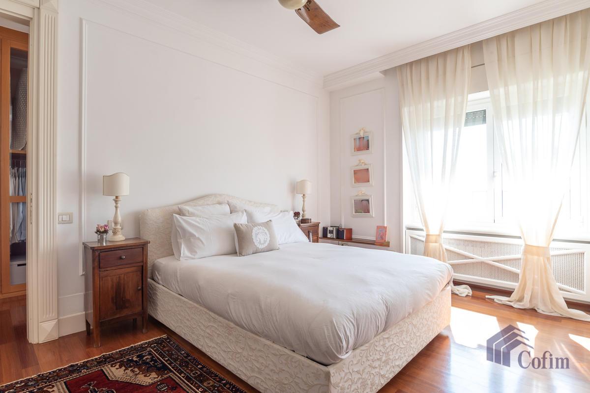 6 Locali prestigioso su due livelli  San Felice (Segrate) - in Vendita - 24