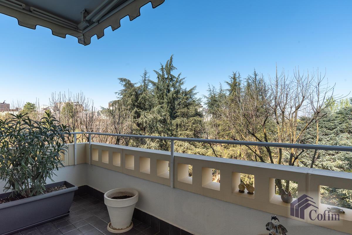 6 Locali prestigioso su due livelli  San Felice (Segrate) - in Vendita - 4