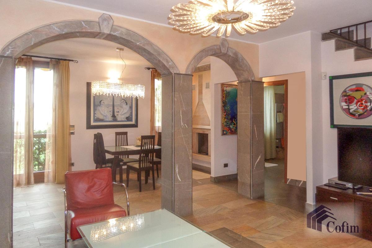 Villa a schiera su tre livelli  Zelo Buon Persico in Vendita - 3