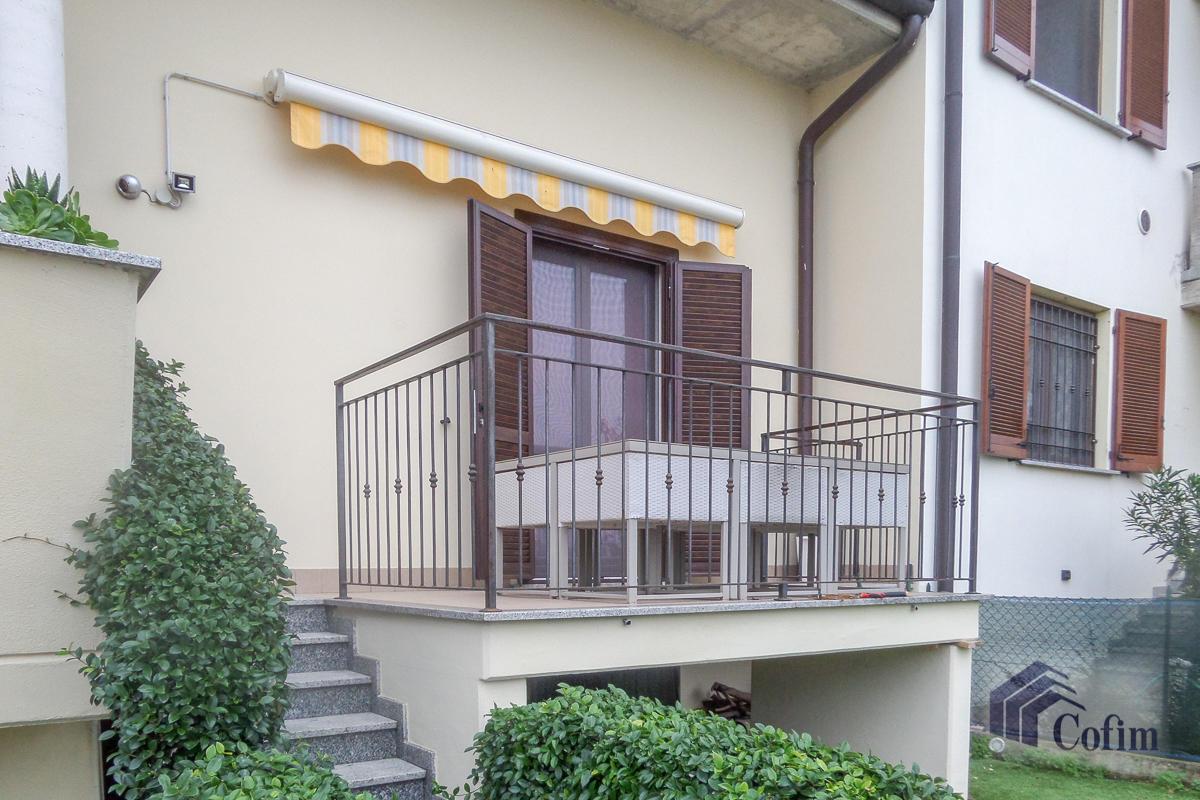Villa a schiera su tre livelli  Zelo Buon Persico in Vendita - 2