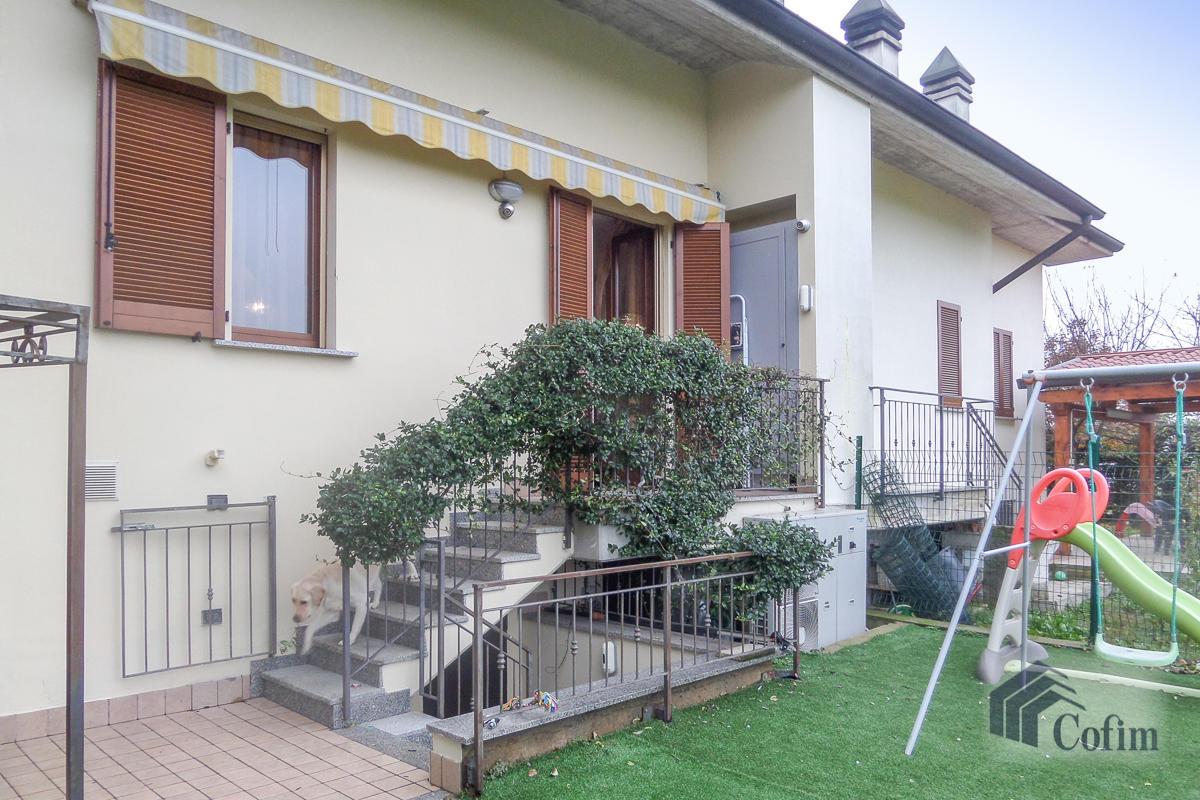 Villa a schiera su tre livelli  Zelo Buon Persico in Vendita - 15