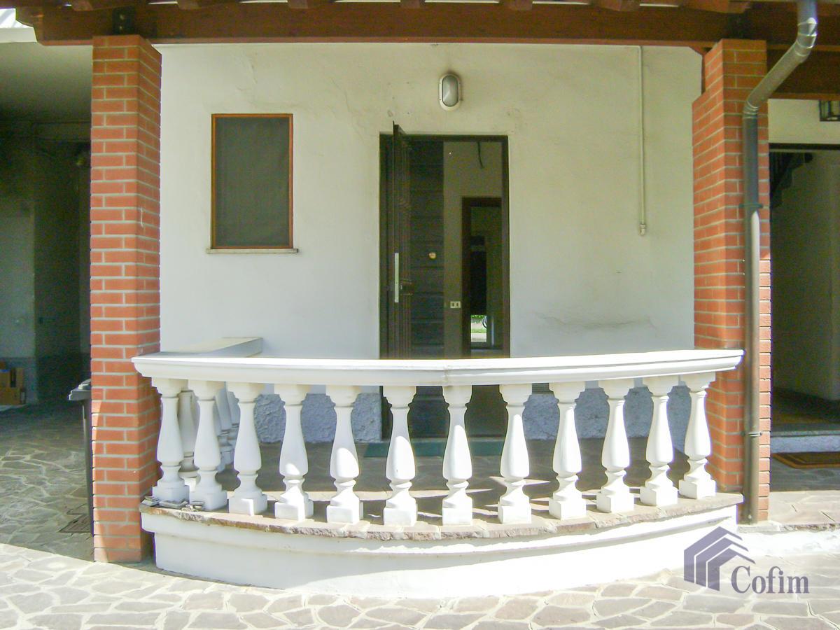 Negozio in posizione centrale  Bettola (Peschiera Borromeo) - in Affitto - 3