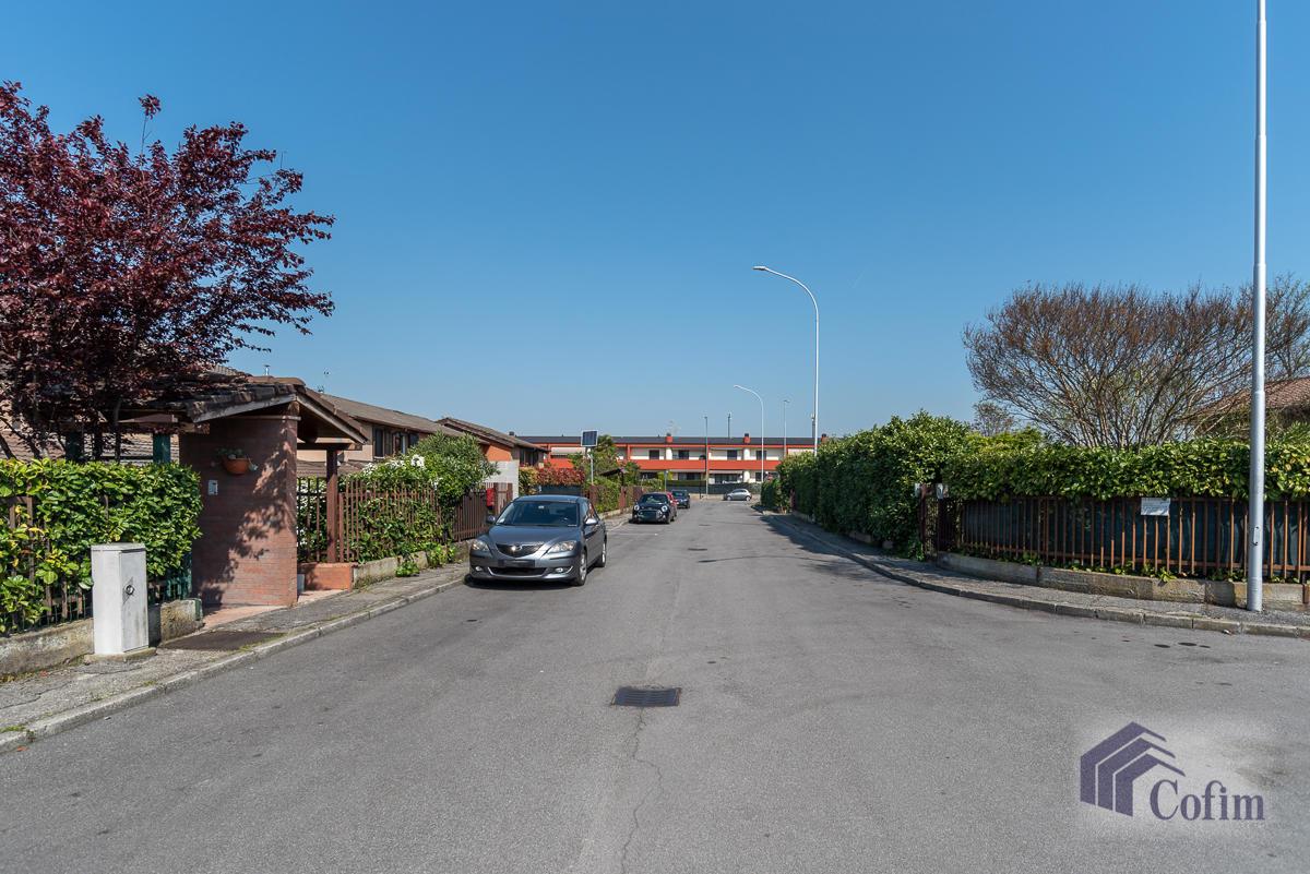 Villa singola su due piani  Millepini (Rodano) - in Vendita - 23