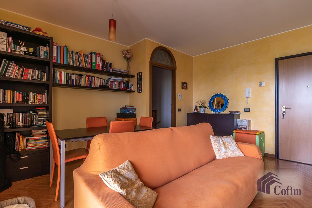 Trilocale con taverna e giardino privato  Bettolino (Mediglia) - in Vendita - 2