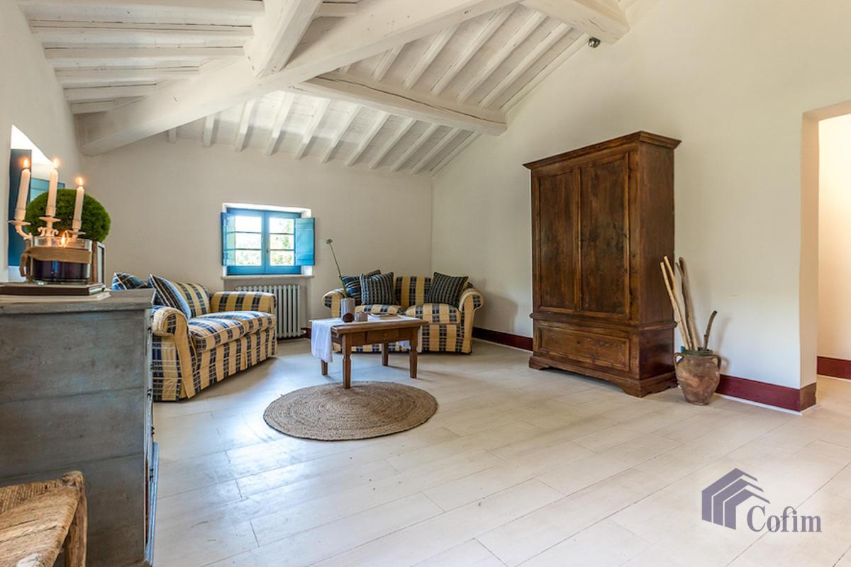 Villa singola prestigiosa con piscina condominiale a  Izzalini (Todi) - in Vendita - 7
