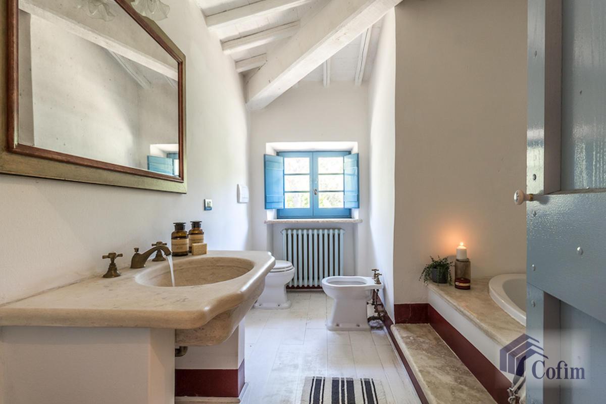 Villa singola prestigiosa con piscina condominiale a  Izzalini (Todi) - in Vendita - 8