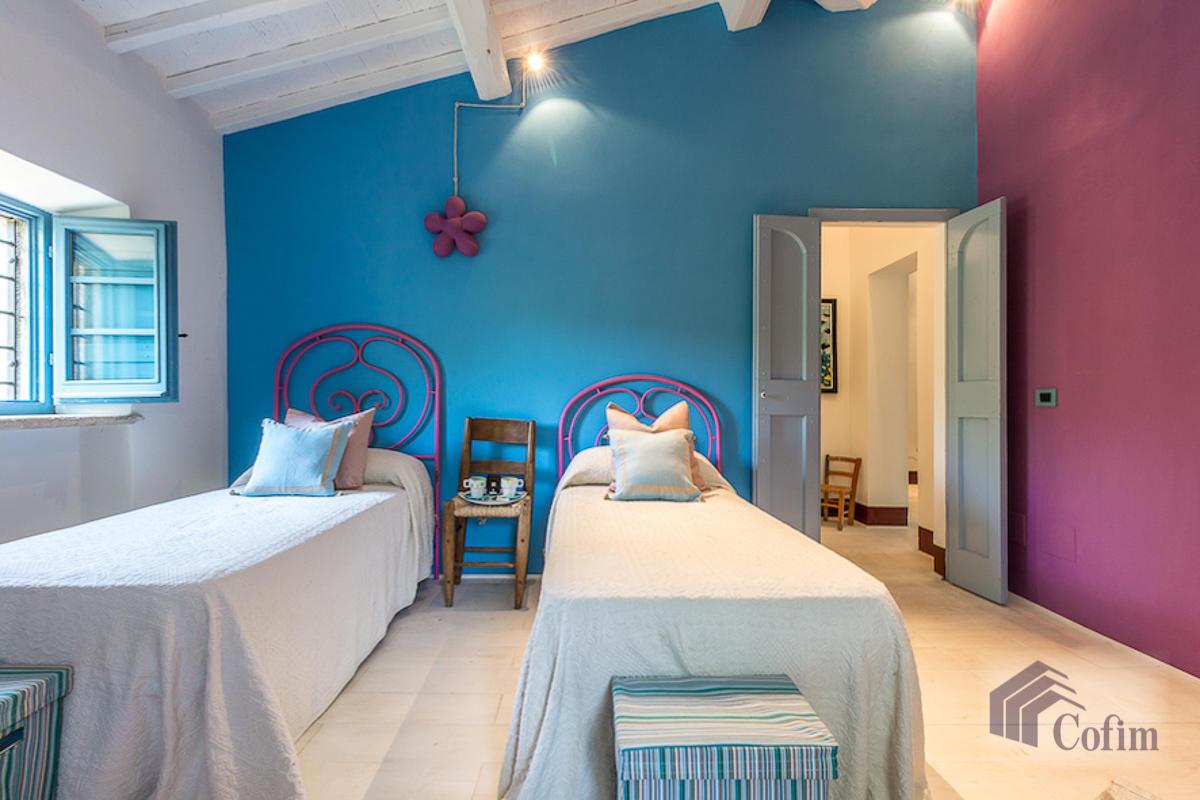 Villa singola prestigiosa con piscina condominiale a  Izzalini (Todi) - in Vendita - 16