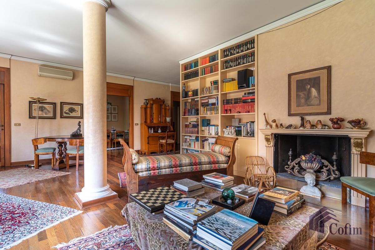 5 Locali prestigioso in  San Felice (Segrate) in Vendita - 2