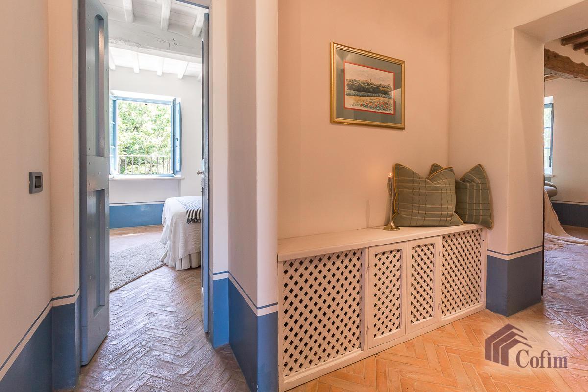 Villa singola prestigiosa con piscina condominiale a  Izzalini (Todi) - in Vendita - 26