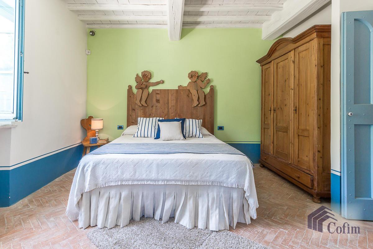 Villa singola prestigiosa con piscina condominiale a  Izzalini (Todi) - in Vendita - 33