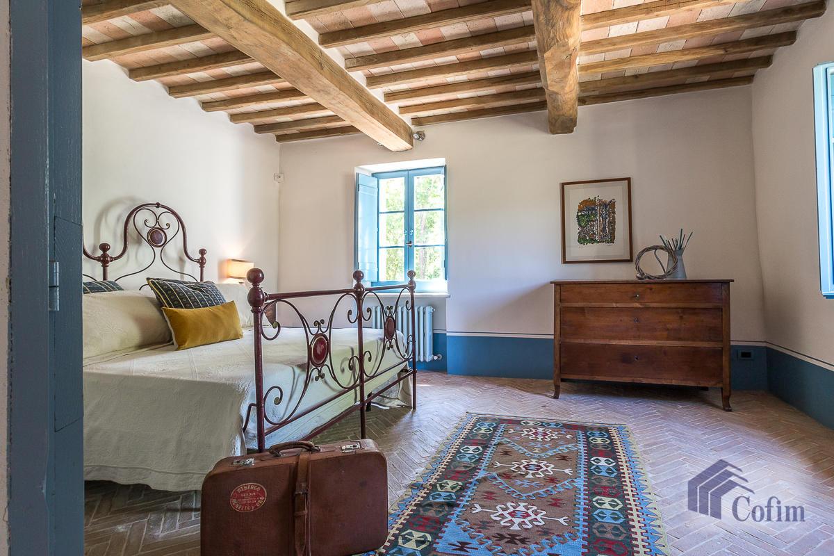 Villa singola prestigiosa con piscina condominiale a  Izzalini (Todi) - in Vendita - 34