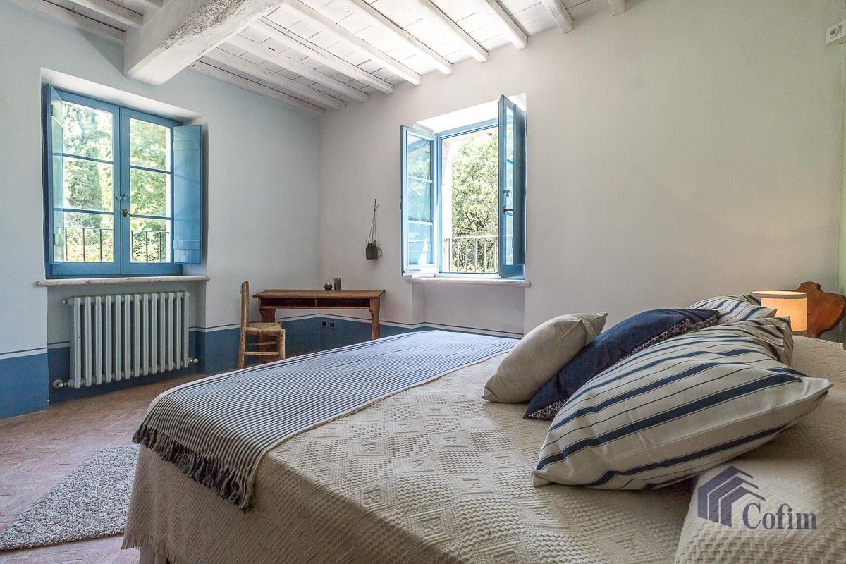 Villa singola prestigiosa con piscina condominiale a  Izzalini (Todi) - in Vendita - 35
