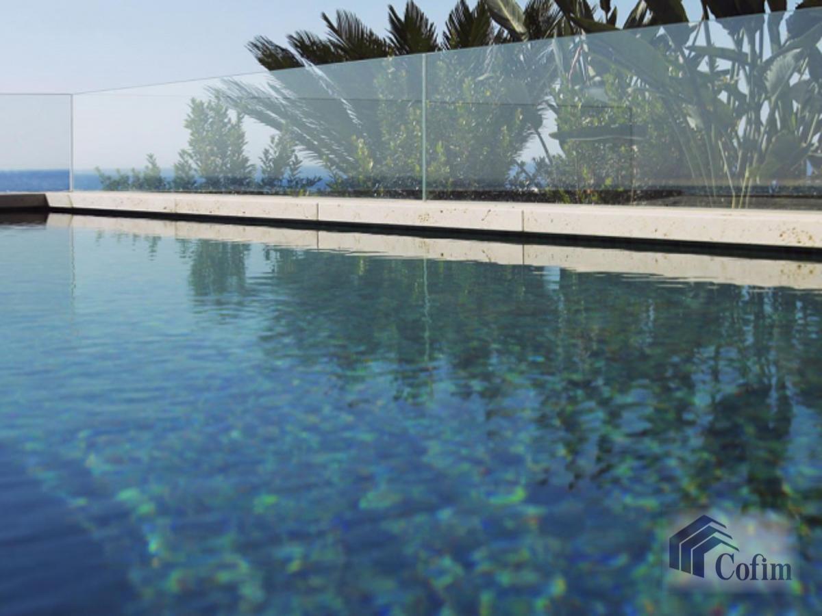 6 Locali lussuoso con piscina a Montecarlo   in Vendita - 17