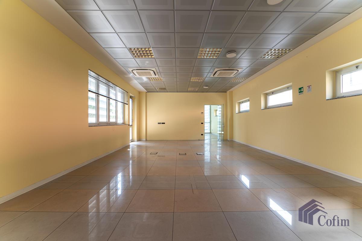 Ufficio - immobile ristrutturato suddiviso in tre piani in  Segrate in Vendita - 3