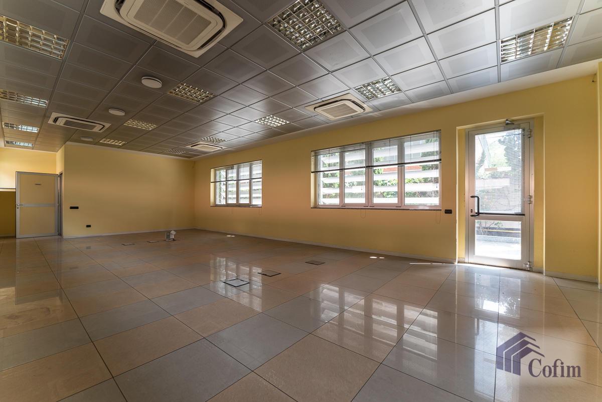 Ufficio - immobile ristrutturato suddiviso in tre piani in  Segrate in Vendita - 4