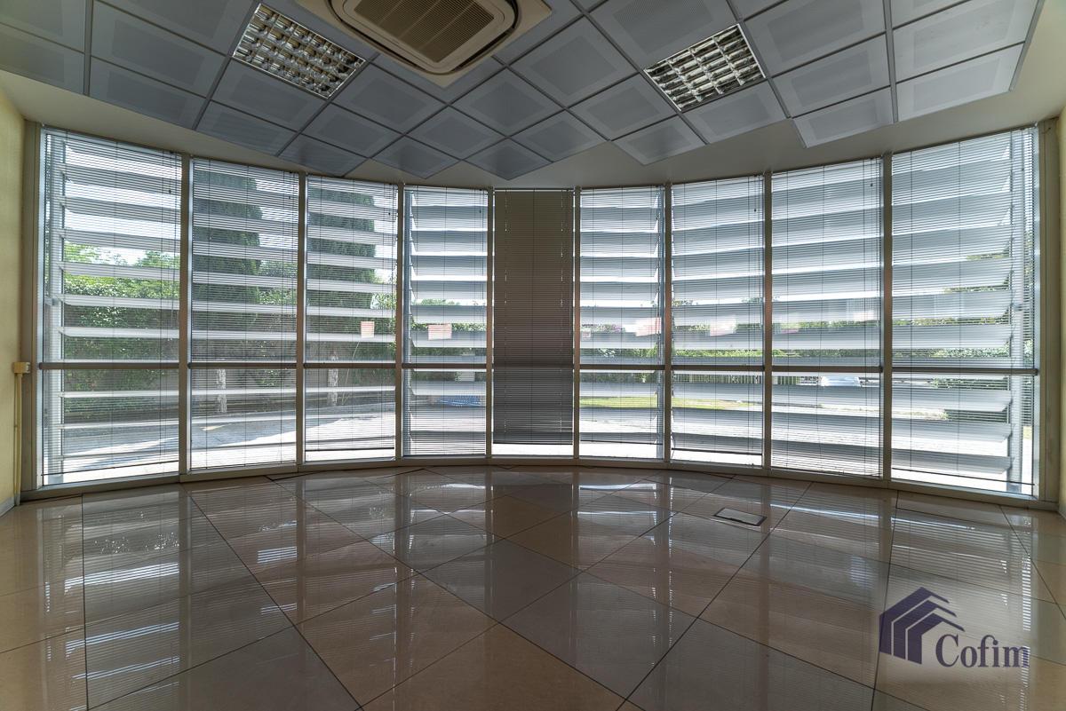 Ufficio - immobile ristrutturato suddiviso in tre piani in  Segrate in Vendita - 6