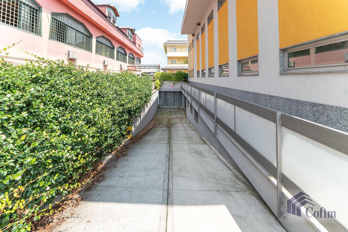 Ufficio - immobile ristrutturato suddiviso in tre piani in  Segrate in Vendita - 24