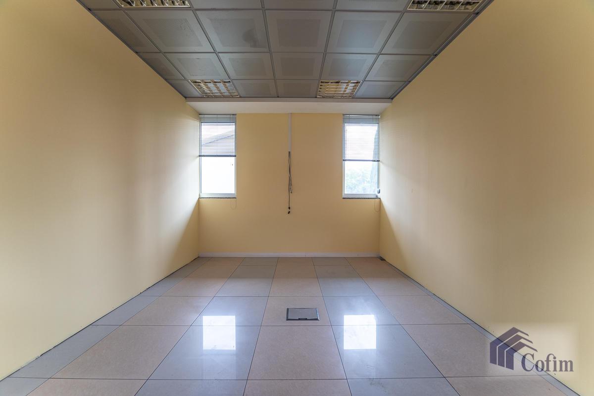 Ufficio - immobile ristrutturato suddiviso in tre piani in  Segrate in Vendita - 13
