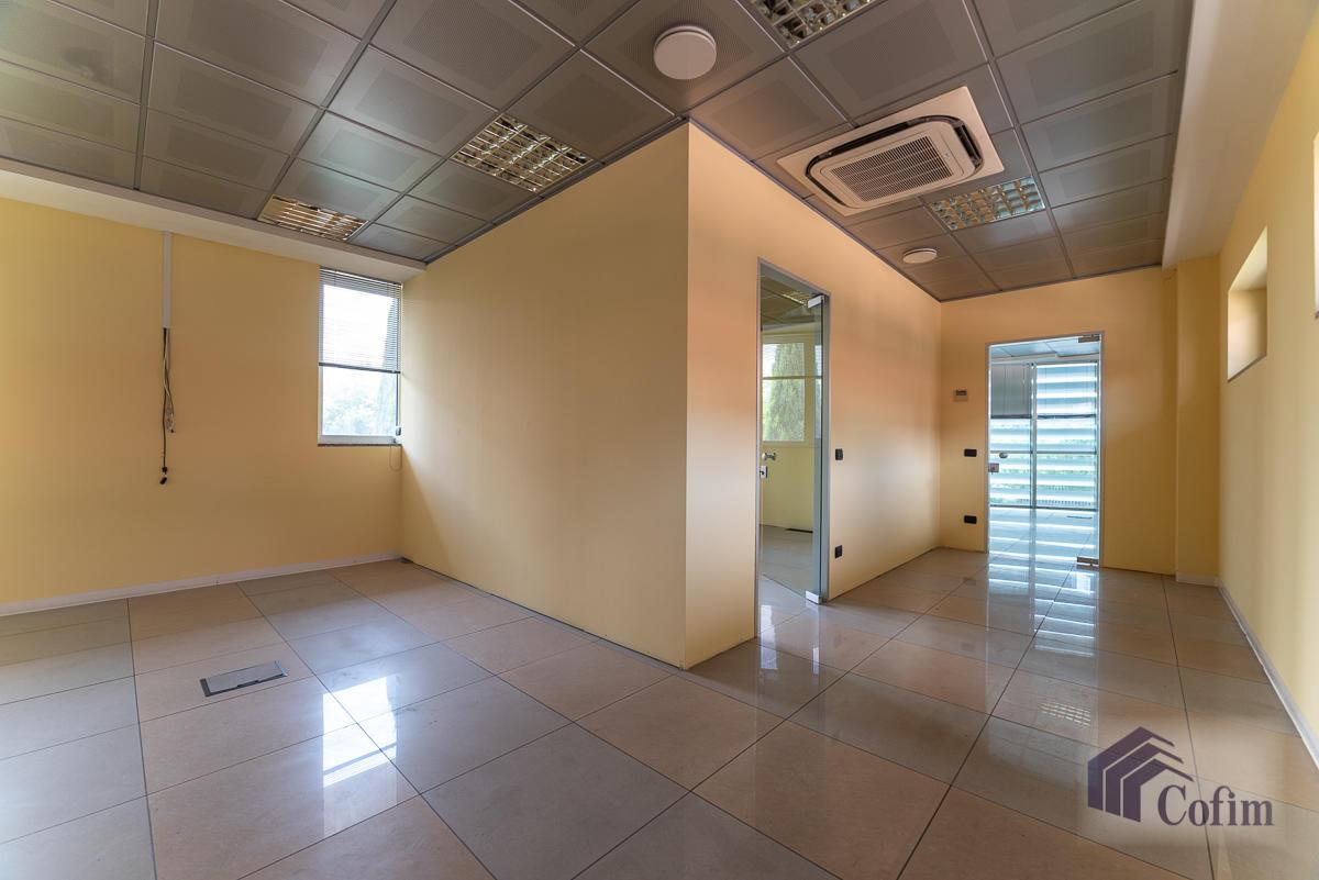 Ufficio - immobile ristrutturato suddiviso in tre piani in  Segrate in Vendita - 14