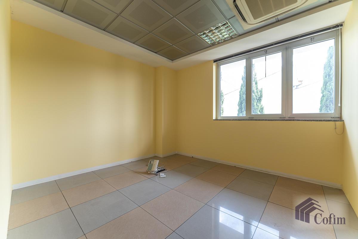 Ufficio - immobile ristrutturato suddiviso in tre piani in  Segrate in Vendita - 15