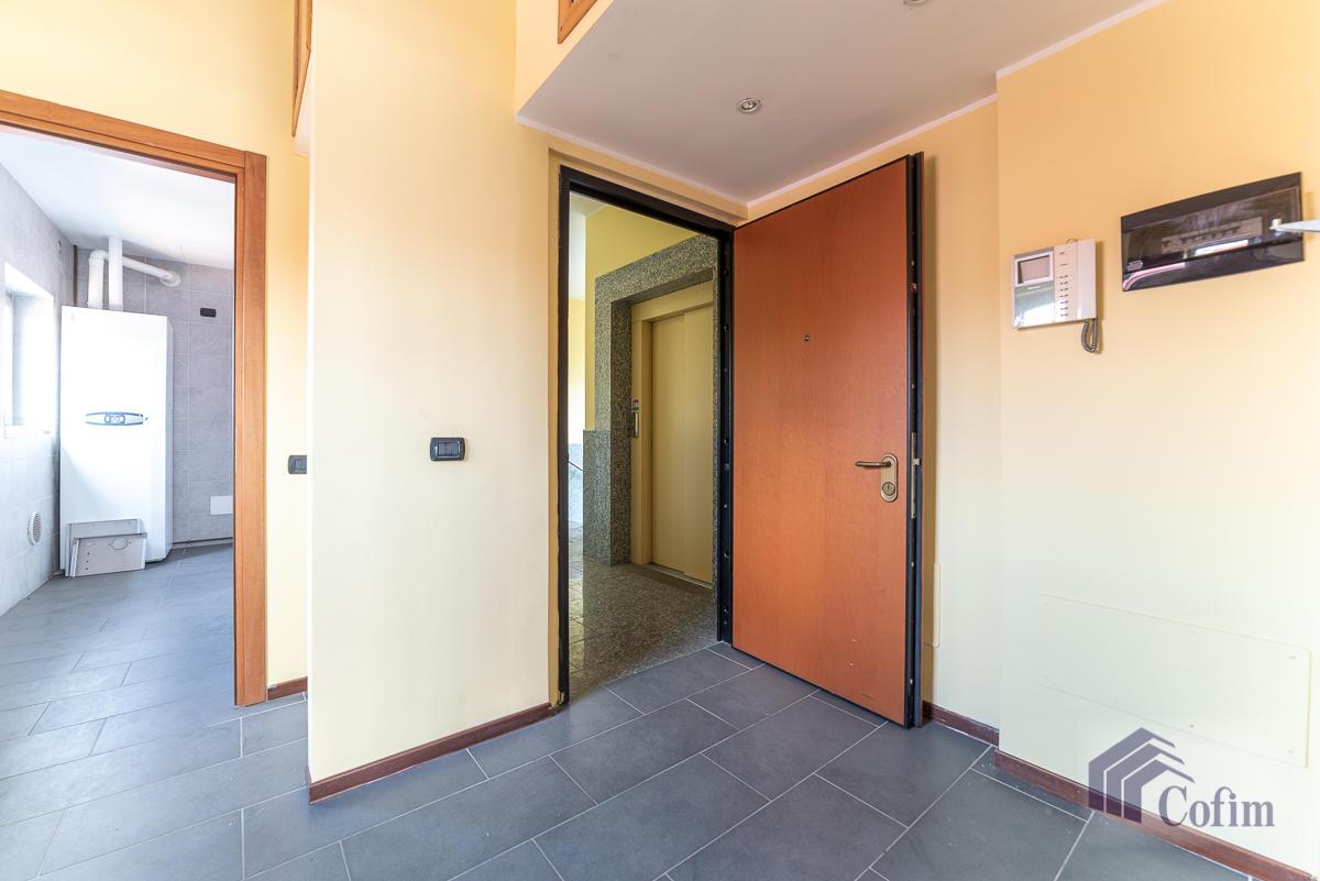 Ufficio - immobile ristrutturato suddiviso in tre piani in  Segrate in Vendita - 17
