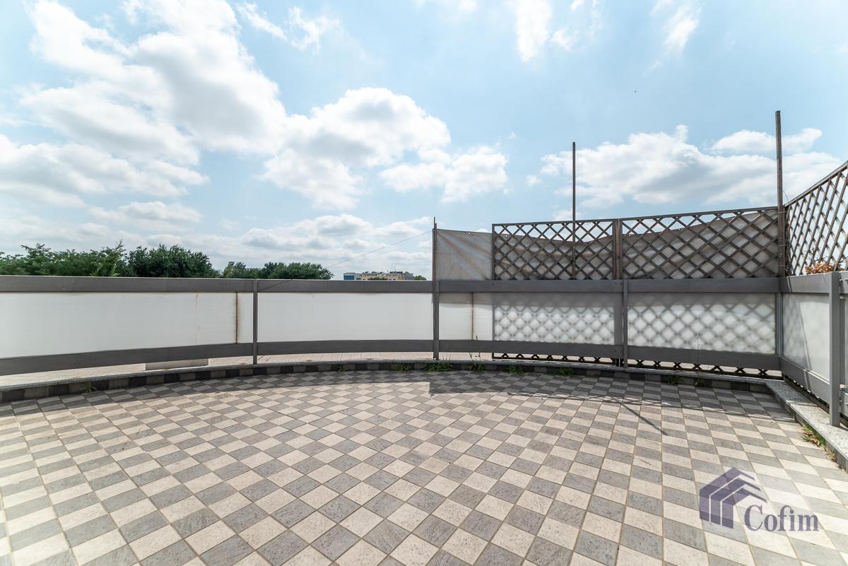 Ufficio - immobile ristrutturato suddiviso in tre piani in  Segrate in Vendita - 8