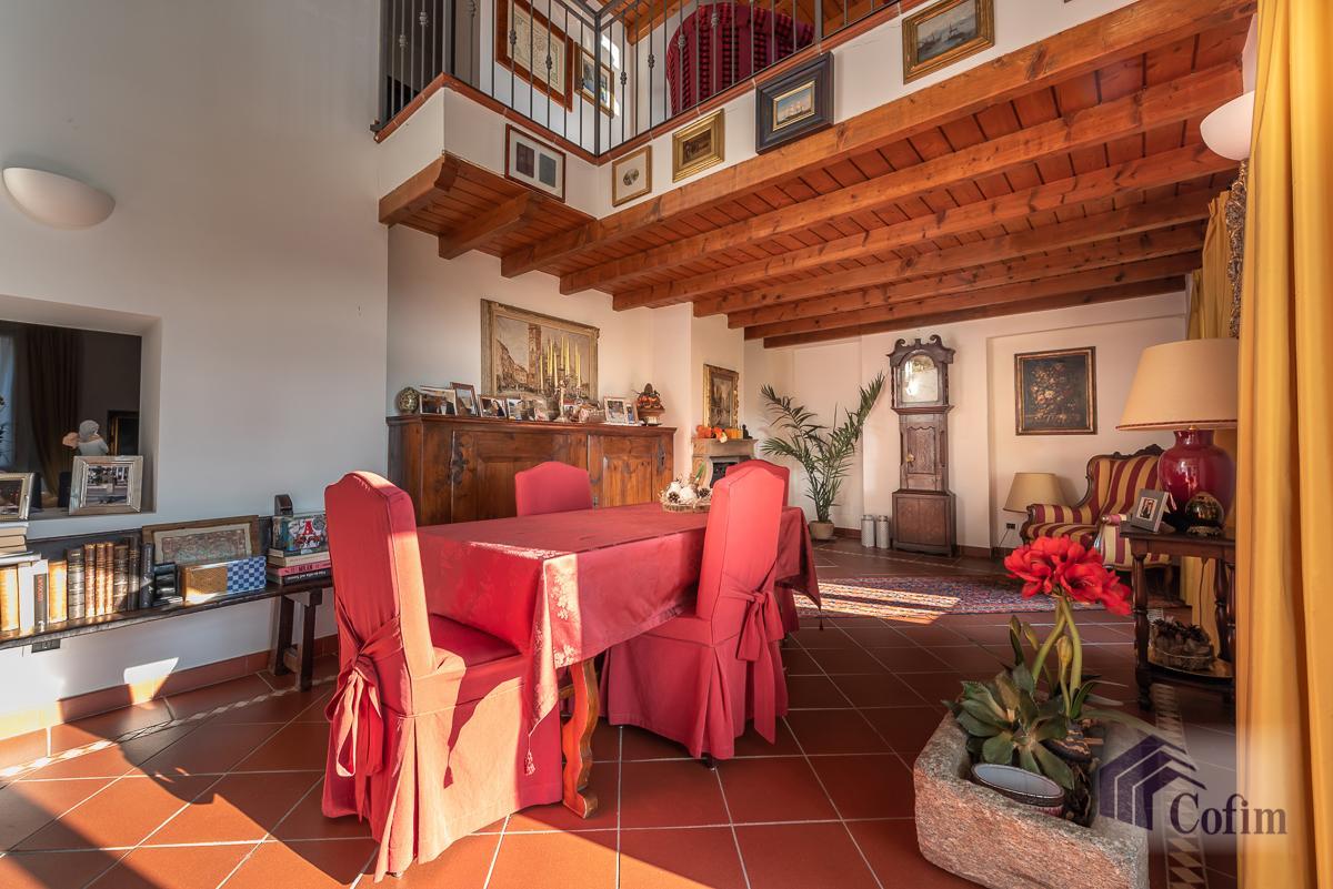 Villa singola nel parco secolare con piscina  Villa Raverio (Besana in Brianza) Vendita in Esclusiva - 15