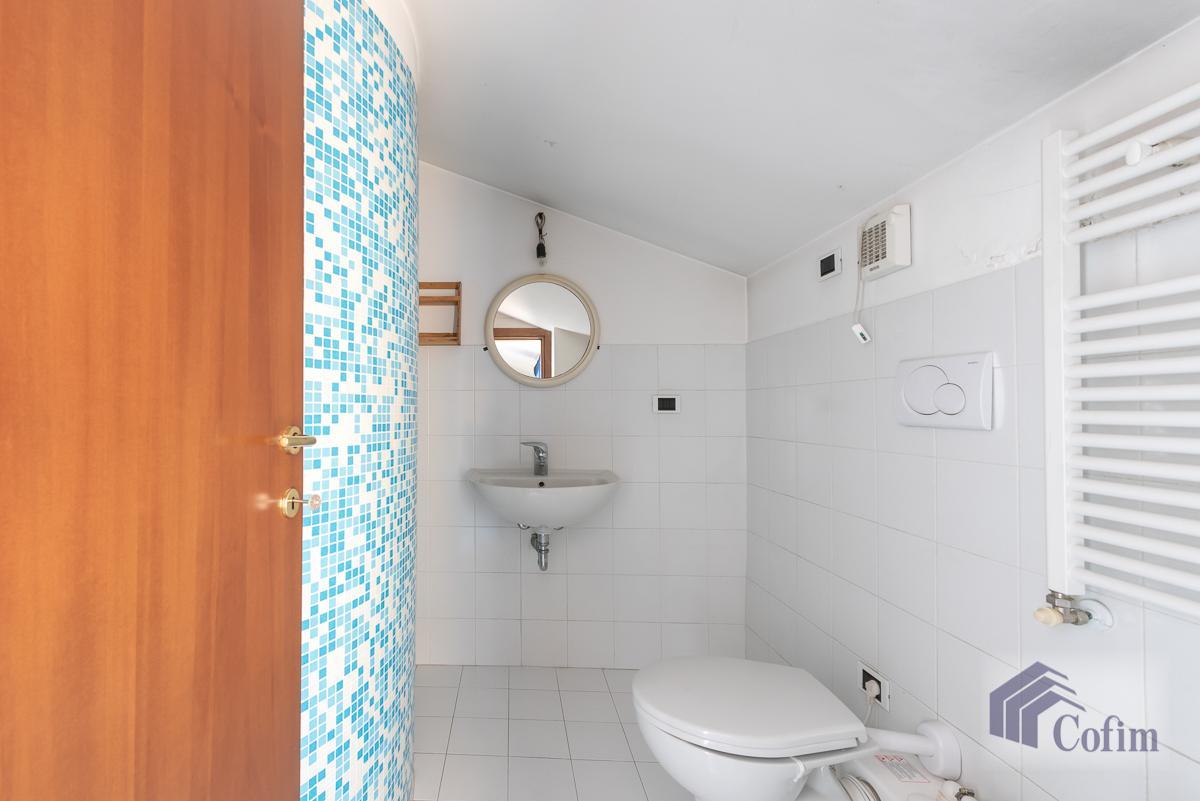 Villa singola nel parco secolare con piscina  Villa Raverio (Besana in Brianza) Vendita in Esclusiva - 21