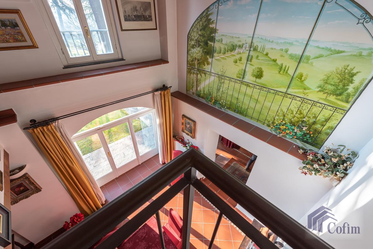 Villa singola nel parco secolare con piscina  Villa Raverio (Besana in Brianza) Vendita in Esclusiva - 22