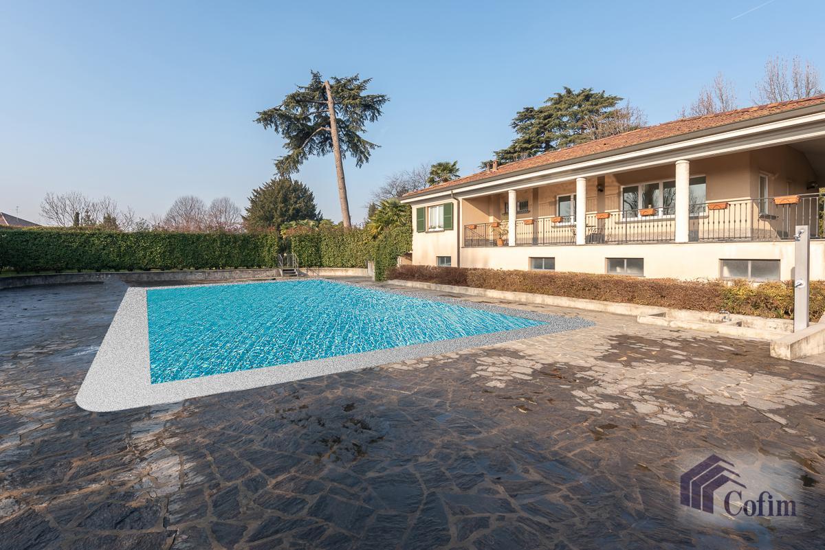 Villa singola nel parco secolare con piscina  Villa Raverio (Besana in Brianza) Vendita in Esclusiva - 30